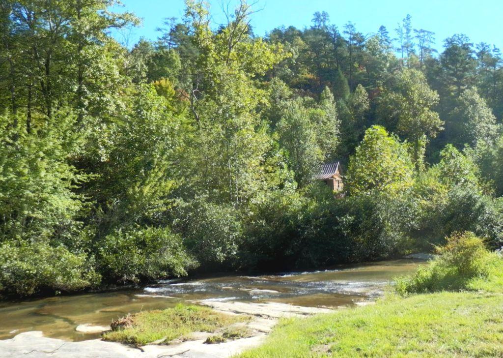 Waterfalls along taylor and cedar creeks living in the for Cedar creek