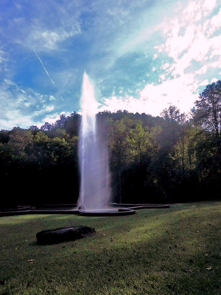 Andrews Geyser Lawn