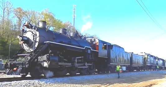 N & S Engine 630 Train