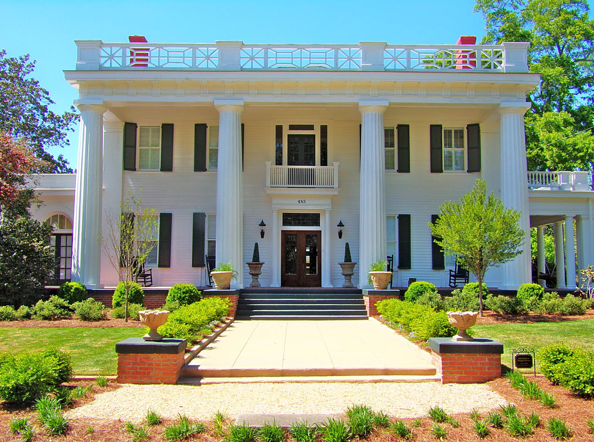 The opulent antebellum mansions of madison georgia for Antebellum homes