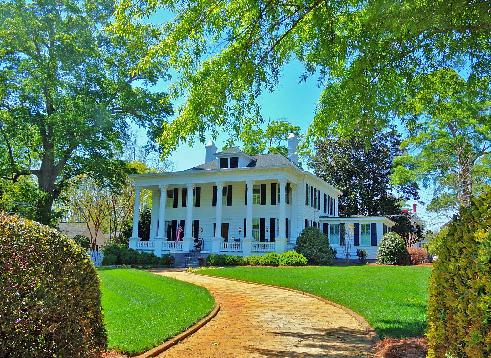 The Opulent Antebellum Mansions of Madison, Georgia ...