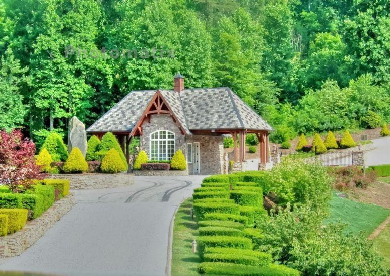 Bill's Mountain Gatehouse