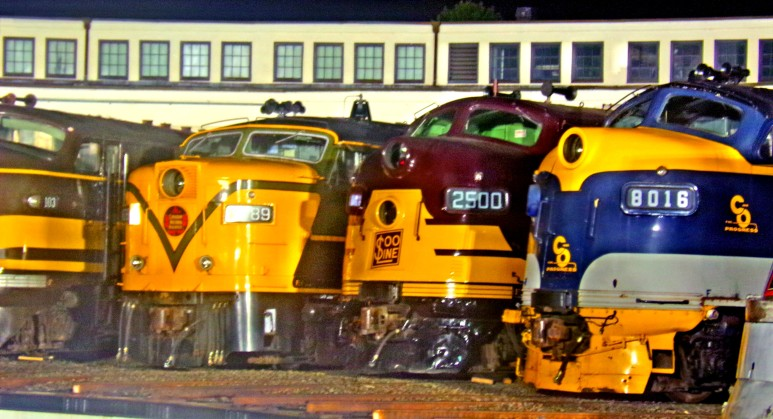 Four Streamline diesels at Spencer