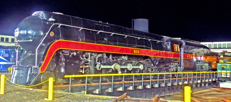 Norfolk 611 streamliner at night