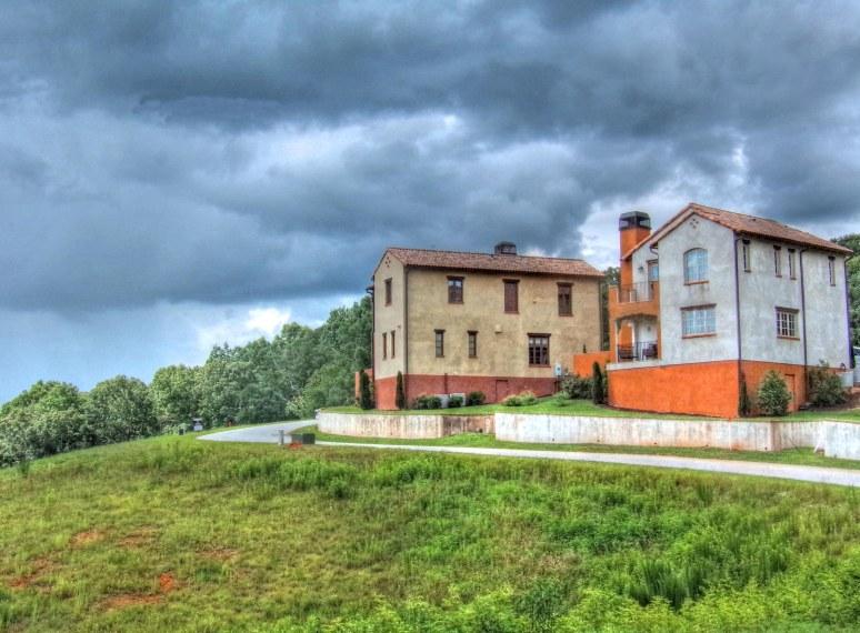 Montaluce Vineyard Villas