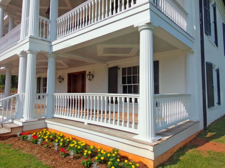 Cleghorn Plantation Porch Corner