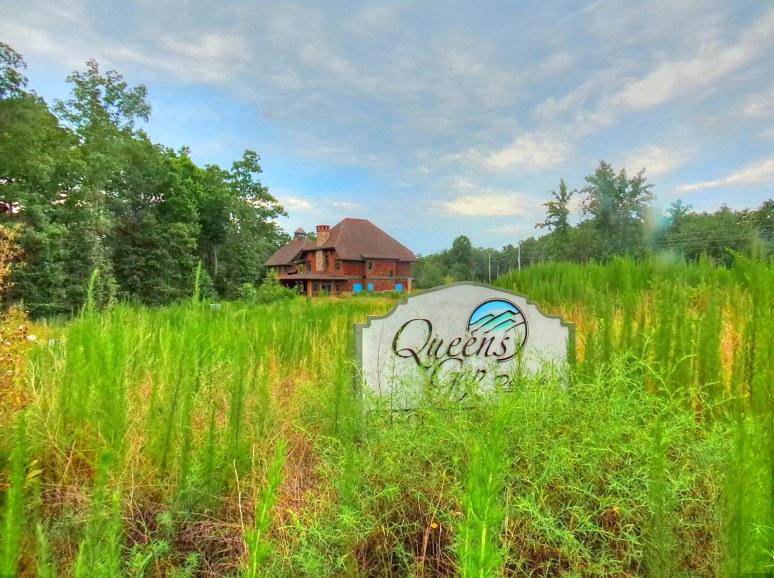 Queen's Gap Lodge SIgn