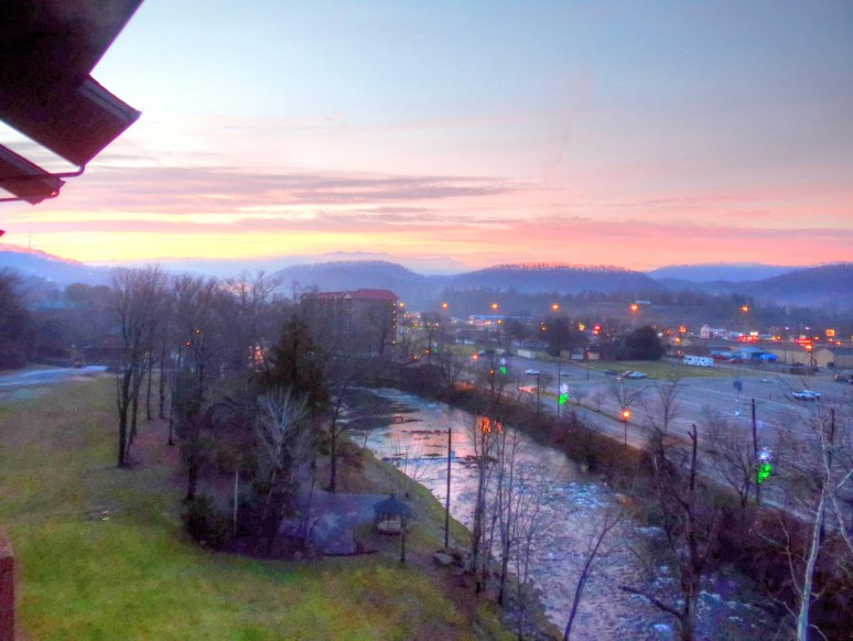 Pigeon Forge Sunrise Condo