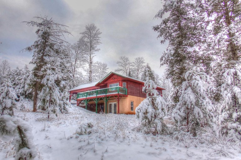 Hemlock House in SNow