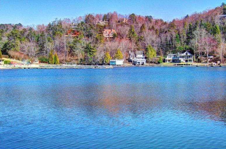 Lake Lure Houses