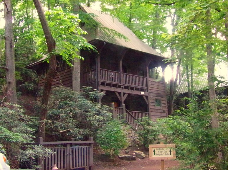 Cheshire Village Treehouse 3