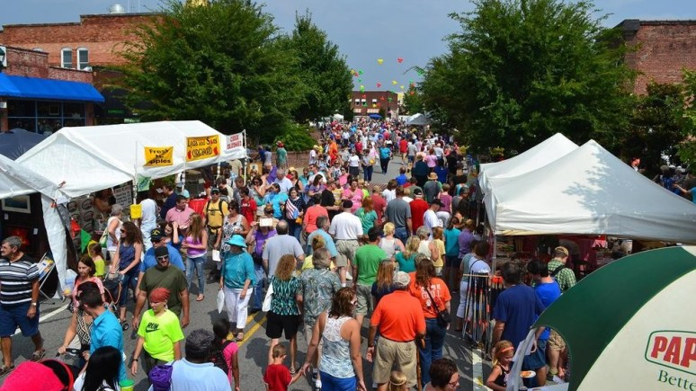 Hendersonville Apple Festival street fair