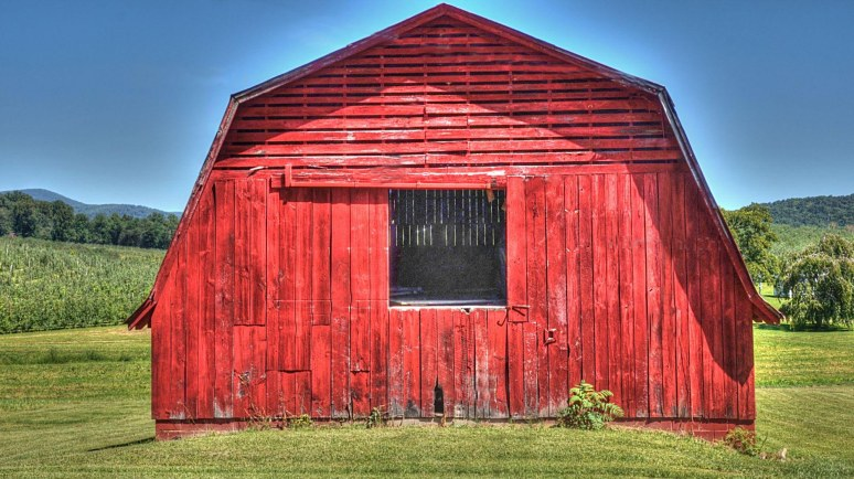 Apple Valley North Carolina red barn