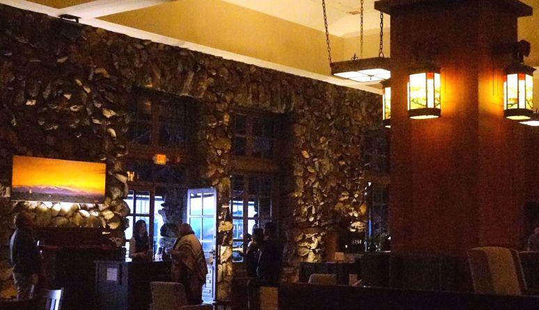 grove park inn lobby lanterns