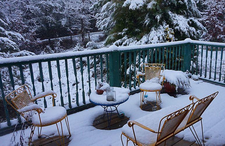hemlock house deck snow north carolina