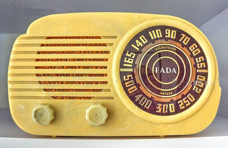 FADA bakelight radio