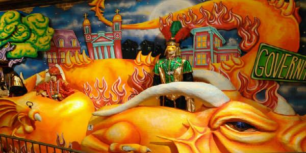 mobile-carnavalmuseum-dragon